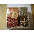 Glycerínová mýdla kostky s bylinkama ve dřevěné krabičce Botanico, 4 ks