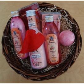 Dárkový set BOTANICO s vůní růže, tělové a pleťové mléko, koule, pěna, sůl, krémové glycerínové mýdlo + křišťálové mýdlo